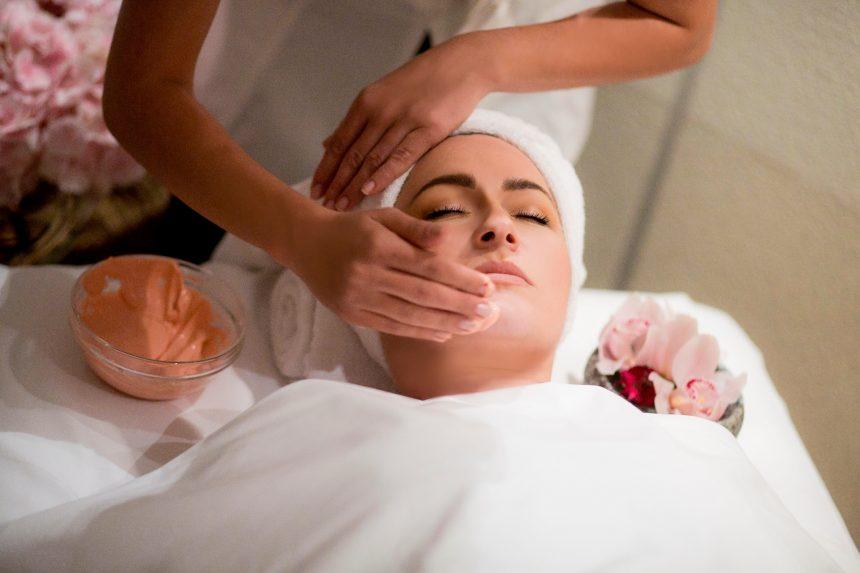 DEEP HYDRATING TREATMENT